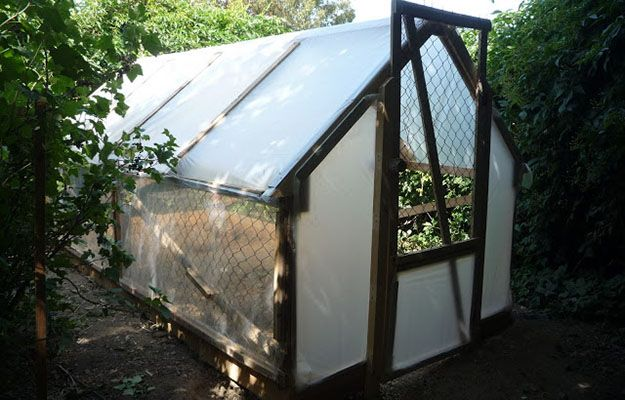 DIY Low-Cost Wood Pallet Greenhouse