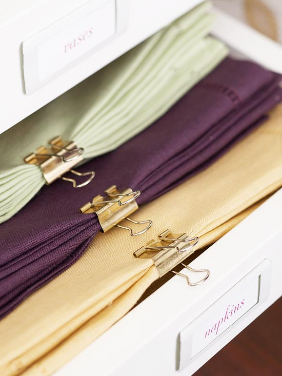 Use binder clips to organize and hold matching napkins together