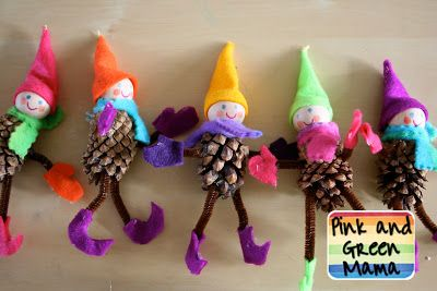 Homemade Christmas Crafts: Pinecone Elves